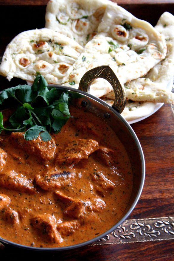 Rajasthani Chicken curry with naan